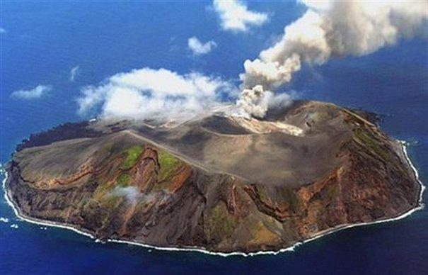 Связь между землетрясениями и извержениями вулканов