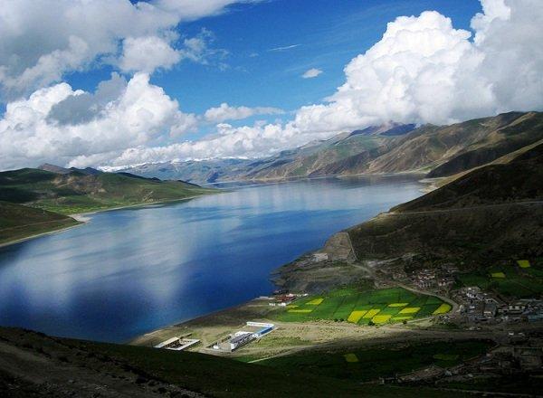 Самые красивые озера мира фото озеро Ямдрок Цо, Тибет