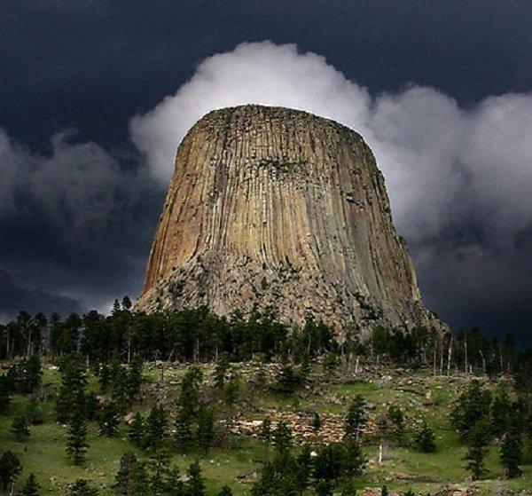 Самые необычные горы планеты - Башня Дьявола