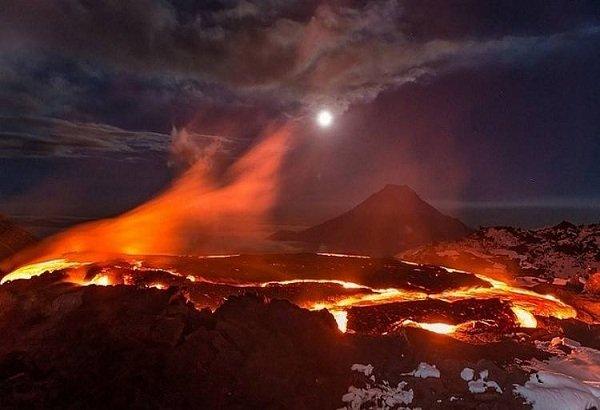 Действующие вулканы России - вулкан Толбачик