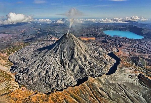 Действующие вулканы России - Карымская сопка