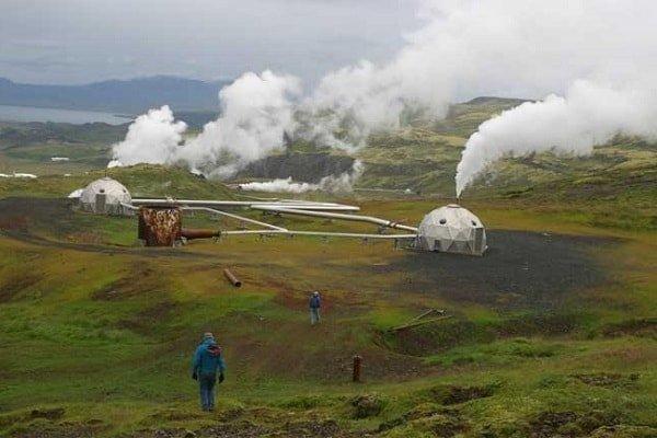 Геотермальная энергия земли используется в Исландии