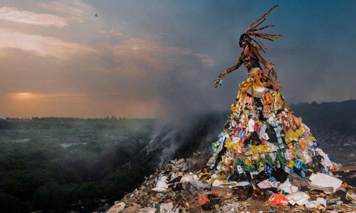 Монстры и чудовища, созданные человеком: проблема мусора в Сенегале
