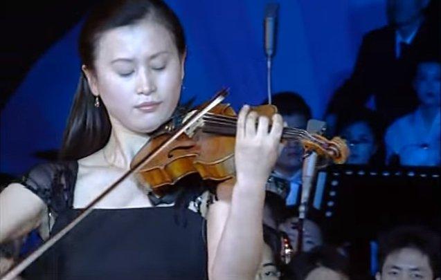 Чардаш Монти в исполнении северо-корейской скрипачки