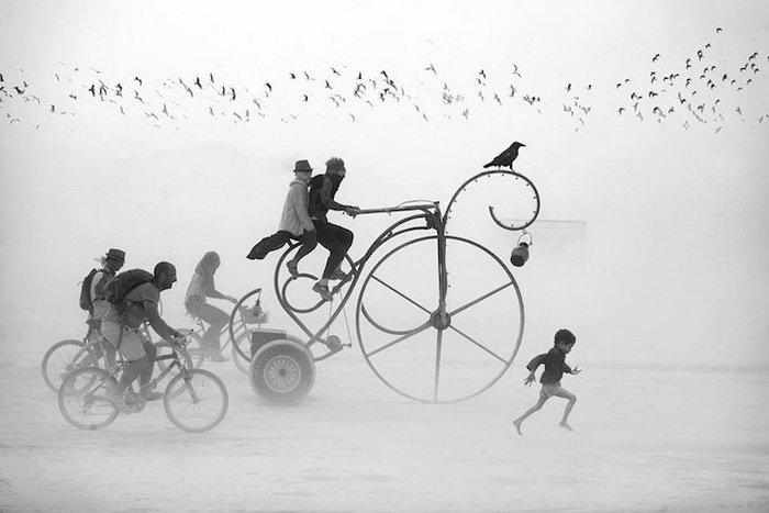 Burning Man: 14 сюрреалистических фото с самого горячего фестиваля в мире
