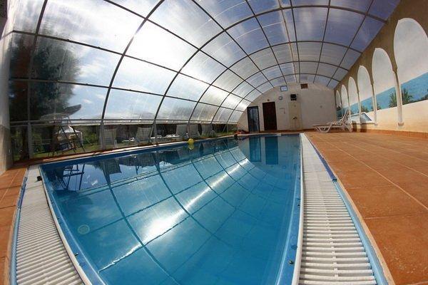 Отели с бассейном в Крыму, какие бывают и что выбрать?