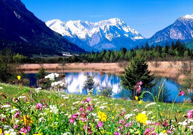 Казахстан – благословенный край для туристов.