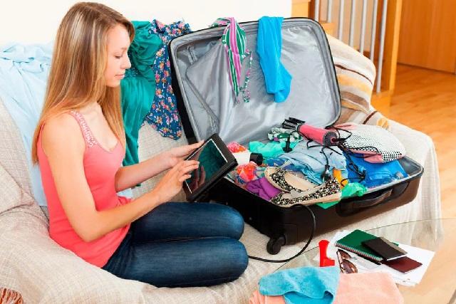 Вещи для путешествия: сим-карта, гардероб, аптечка.